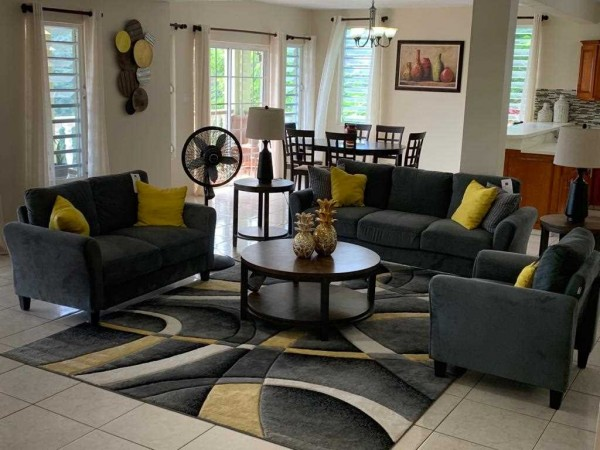 MLS# HP 0090 HORSE PATH. 2 BEDROOM, 2.5 BATHROOM, FULLY-FURNISHED APARTMENT
