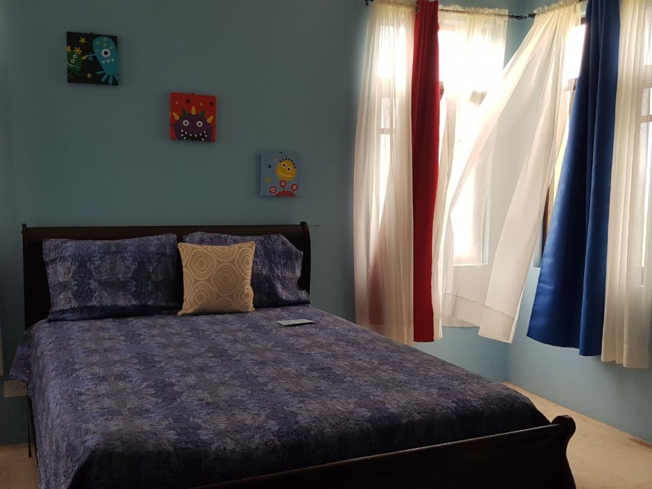 MLS#WE 3BED, 2.5 BATH FULLY-FURNISHED HOUSE - Cayman  Property